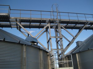 Eaves platforms & vertical ladder to catwalk