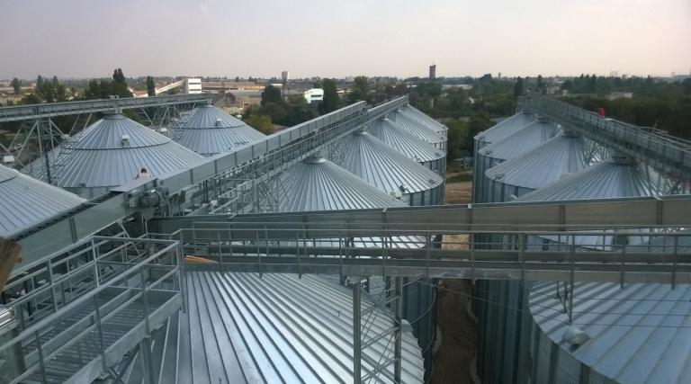 Silo Ladders: door steps, vertical & spiral ladders | AGI FRAME